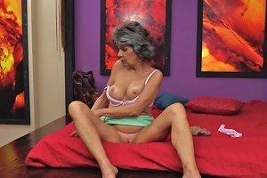 Raquelle Granny Solo