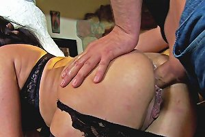 Glam Milf Anally Pounded And Spitroasted